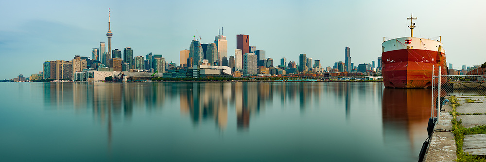 https://Duncan.co/downtown-toronto-skyline-at-dawn-2<br />