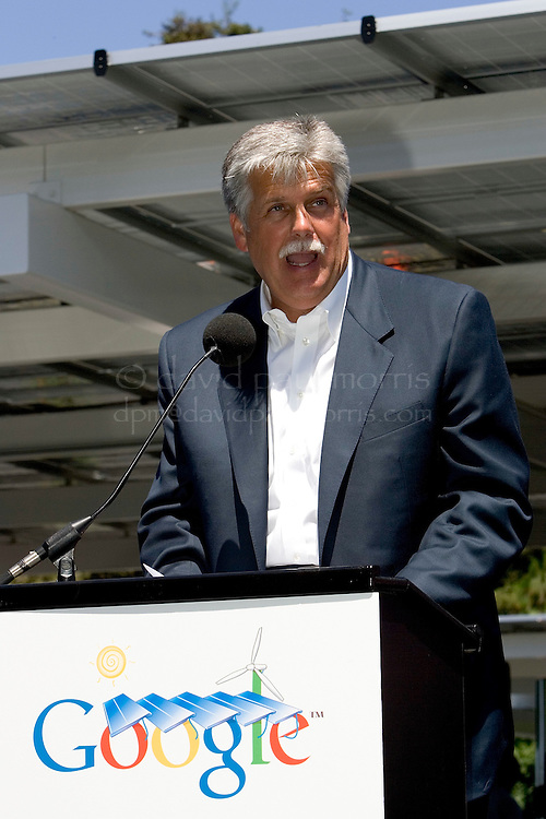 MOUNTAIN VIEW,  CA - JUNE 18:  Greg R. Stubblefield President of California and Hawaii of Enterprise car rental speaks during a press conference launching the new fleet of new plug in hybrid electric cars on June 18, 2007 in Mountain View, California.  (Photograph by David Paul Morris)
