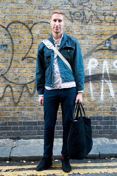 Street style - spotted in London. 13/11/2011 Ana Grimaldi/CatchlightMedia