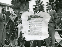 1926 Douglas Fairbanks (left) & Wm. S. Hart (right) at ceremony making Will Rogers honorary mayor of Beverly Hills