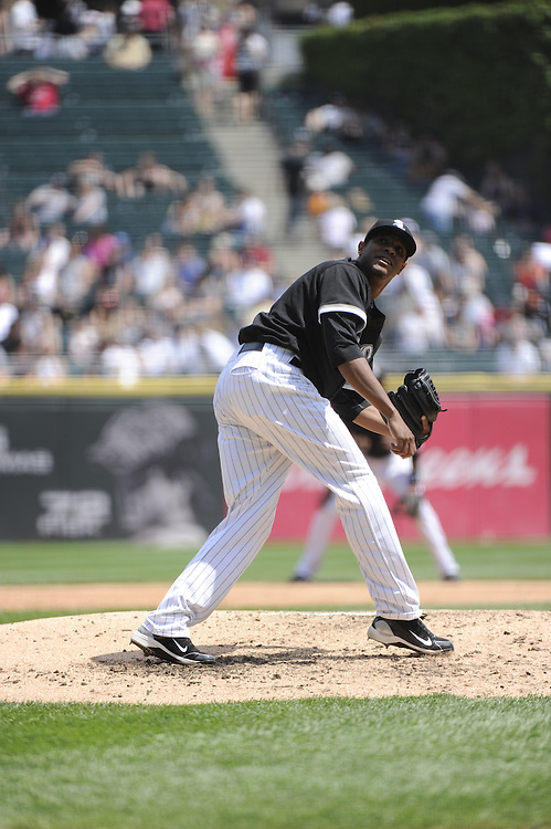 CHICAGO - MAY 22:  Edwin Jackson #33 of the Chicago White Sox pitches against the Los Angeles Dodgers on May 22, 2011 at U.S. Cellular Field in Chicago, Illinois.  The White Sox defeated the Dodgers 8-3.  (Photo by Ron Vesely)  Subject:   Edwin Jackson