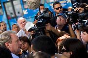 Belo Horizonte_MG, Brasil...Eleicoes 2008. O candidato a prefeito de Belo Horizonte pela coligacao Alianca por BH, Marcio Lacerda (PSB) recebe apoio dos taxistas de Belo Horizonte...Elections 2008. The candidate  Marcio Lacerda (PSB) receives support from the taxi drivers in Belo Horizonte...Foto: LEO DRUMOND /  NITRO