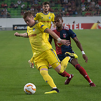 Aleksandar Filipovic (L) of FC BATE Borsiov and Loic Nego (R) of Vidi FC fight for the ball during the UEFA Europa League match between Hungary's Videoton FC and Belarus' FC BATE Borisov at the Groupama Arena stadium in Budapest, Hungary on Sept. 20, 2018. ATTILA VOLGYI