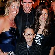 NLD/Amsterdam/20111010 - Premiere All Stars 2, Roy Makaay, partner Joyce van Loon en kinderen Dani en Milou