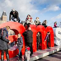 Nederland, Amsterdam, 26 december 2016.<br />Drukte in de stad op 2e Kerstdag zoals hier op het Museumplein.<br /><br /><br /><br />Foto: Jean-Pierre Jans