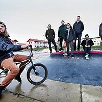Nederland, Amsterdam , 8 januari 2013.<br /> Skaters die pleiten om een heus skatepark in Amsterdam die geheel ontbreekt staan bij hun eigen tijdelijk geimproviseerd parkje aan de Gevleweg in de Spaarndammerbuurt,<br /> v.r.n.l. Sharmaarke Mire, Sebastian van der Elsken, Koen de Groot, Jamie van Haastere, Mees van Rijckevorsel,<br />  Stan Postmus en Robert van Leeuwen.<br /> Foto:Jean-Pierre Jans