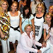 NLD/Amsterdam/20080508 - Mom's Moment voor zwangere vrouwen, Bridget Maasland, Susan Blokhuis, Tessa Kroes - Dijkstra, Femmetje de Wind, Tanja Jess, Anouk Smulders, Marit van Bohemen, Amanda Krabbe, Renate Verbaan