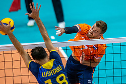Gijs Jorna of Netherlands, Dardan Lushtaku of Sweden in action during the CEV Eurovolley 2021 Qualifiers between Sweden and Netherlands at Topsporthall Omnisport on May 14, 2021 in Apeldoorn, Netherlands