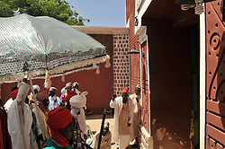 Oct. 16, 2015 - Kano, Nigeria - The Emir of Kano walks out of his Palace  as people gather to welcome the Emir of Kano Muhammad Sanusi II as he returns back from this year hajj 2015, Kano, Nigeria 2015 16 October 2015 Photo: next24online  (Credit Image: © Next24online/NurPhoto via ZUMA Press)