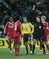 Photo: Barry Bland.<br />FC Thun v Arsenal. UEFA Champions League. 22/11/2005. Pimenta Armand is sent off for a foul on Van Persie.