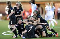 Fotball<br /> UEFA European Women's Under-19 Championships<br /> Group B<br /> Mjøndalen 18.07.2014<br /> Irland v England 2:1<br /> Foto: Morten Olsen, Digitalsport<br /> <br /> Ireland celebrating 2:1 scored by Keeva Keenan (7)<br /> Grace Wright (2)<br /> Amy O'Connor (8)