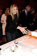Prinses Maxima geeft de Amsterdamse Beurs van Berlage het startschot voor een nieuw landelijk project van WOMEN Inc. Het project wil het belang van economische zelfstandigheid van vrouwen onderstrepen. /// Princess Maxima, the Amsterdam Beurs van Berlage is launching a new national project of WOMEN Inc.. The project will study the importance of economic independence of women underline.<br /> <br /> Op de foto: On the Photo:<br /> <br />  Prinses Maxima komt aan bij de beurs van Berlage /// Princess Maxima arrives at the Beurs van Berlage Prinses Maxima komt neemt plaats aan tafel in de beurs van Berlage /// Princess Maxima will take place at the table in the Beurs van Berlage