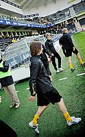 Fotball , tippeligaen , 26. April 2009 , Sør Arena , Start - Tromsø (TIL) , Erik Myggen Mykland på inn til oppvarming på Sør Arena , Foto: Tommy Ellingsen