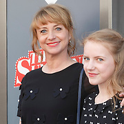NLD/Amsterdam/20150412 - Inloop premiere The Sunshine Boys, Bianca Krijgsman en dochter