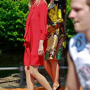 NLD/Weert/20110430 - Koninginnedag 2011 in Weert, Mabel Wisse Smit