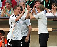 Auswechslung Lukas Podolski, Bundestrainer Juergen Klinsmann<br /> Fussball WM 2006 Achtelfinale Deutschland - Schweden<br />  Tyskland - Sverige<br /> Norway only