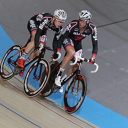 18-12-2016: Wielrennen: NK baanwielrennen: Apeldoorn  <br />APELDOORN (NED) baanwielrennen <br />Het koppel Huenders - Vierhouten in actie tijdens het NK koppelkoers