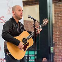 Mexico, D.F. 11/06/2015. Plaza Loreto. Showcase con el cantautor Gian Marco, quien asi presento su mas reciente produccion musical titulada Hashtag Libre.Gian Marco