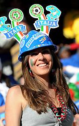 20.06.2010, Mbombela Stadium, Nelspruit, RSA, FIFA WM 2010, Italy (ITA) vs New Zealand (NZL), im Bild Tifosi dell'Italia, Italienische Fans, Fans from Italy.. EXPA Pictures © 2010, PhotoCredit: EXPA/ InsideFoto/ Giorgio Perottino +++ for AUT and SLO only +++ / SPORTIDA PHOTO AGENCY