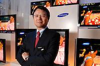 30 AUG 2007, BERLIN/GERMANY:<br /> JongWoo Park, President & CEO, Samsung Digital Media Business, Samsung Messestand, Internationale Funkausstellung, IFA<br /> IMAGE: 20070830-01-026<br /> KEYWORDS: Jong Woo Park