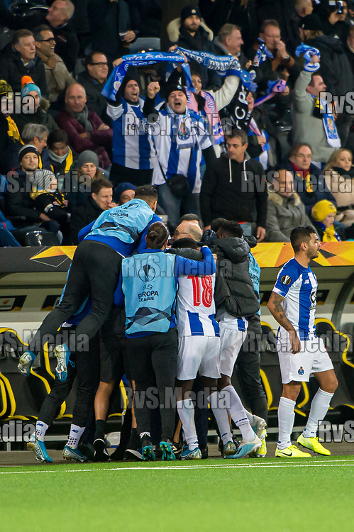 BERN, SWITZERLAND - NOVEMBER 28: #9 Vincent Aboubakar of FC Porto celebrates with his teammates after scoring a goal during the UEFA Europa League group G match between BSC Young Boys and FC Porto at Stade de Suisse, Wankdorf on November 28, 2019 in Bern, Switzerland. (Photo by Robert Hradil/RvS.Media)