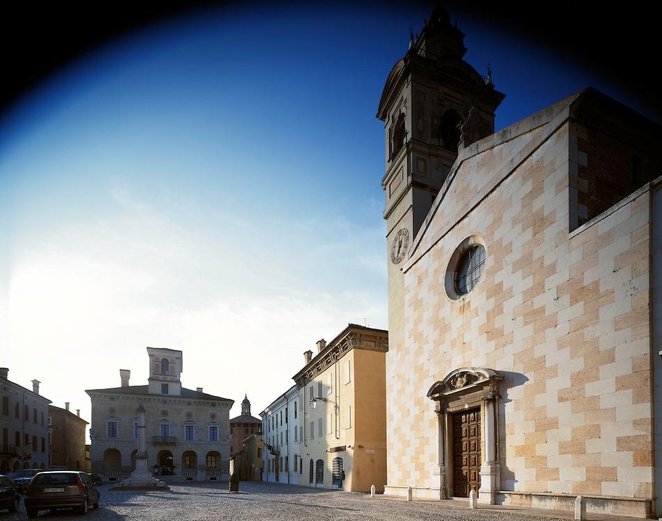 Sabbioneta (MN) - La città ideale di Vespasiano Gonzaga - Palazzo Ducale e chiesa di S. Maria Assunta