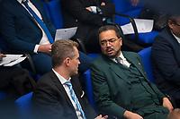 DEU, Deutschland, Germany, Berlin, 13.12.2017: Petr Bystron und Harald Weyel (AfD, Alternative für Deutschland) bei einer Plenarsitzung im Deutschen Bundestag.