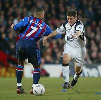 Fotball, 26. januar 2003, Crystal Palace V Liverpool FA cup 4th round. Selhurst park.<br />Michael Owen , Liverpool og  Hayden Mullins<br />Foto: Scott Heavey, Digitalsport