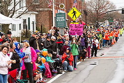 large crowds line course, despite cold weather