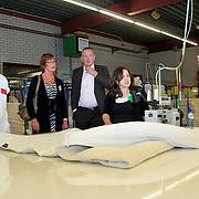 NLD/Huizen/20110915 - Werkbezoek van wethouder Liesbeth Tijhaar aan Riviera Slaapcomfort in Huizen