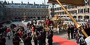 Prinsjesdag 2014 - Aankomst  Gouden Koets op het Binnenhof. /// Parlement Day 2014 - Arrivals Golden Carriage at the Binnenhof.<br /> <br /> Op de foto / On the photo:   Gouden Koets / Golden Carriage