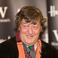 .London November 25 Stephen Fry at his latest book signing at Waterstone in Harrods London Nov 25 2008..Please telephone : +44 (0)845 0506211 for usage fees .***Licence Fee's Apply To All Image Use***.IMMEDIATE CONFIRMATION OF USAGE REQUIRED.*Unbylined uses will incur an additional discretionary fee!*.XianPix Pictures  Agency  tel +44 (0) 845 050 6211 e-mail sales@xianpix.com www.xianpix.com