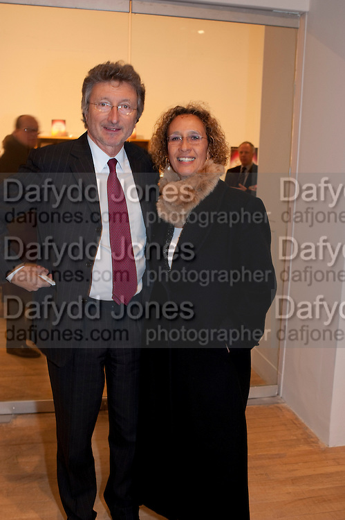 LORD HOLLICK; LADY HOLLICK, Susan Hiller opening, Tate Britain. 31 January 2010. -DO NOT ARCHIVE-© Copyright Photograph by Dafydd Jones. 248 Clapham Rd. London SW9 0PZ. Tel 0207 820 0771. www.dafjones.com.