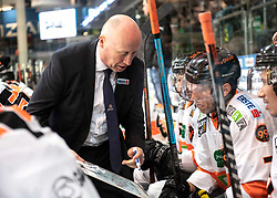 15.03.2019, Keine Sorgen Eisarena, Linz, AUT, EBEL, EHC Liwest Black Wings Linz vs Moser Medical Graz 99ers, Viertelfinale, 2. Spiel, im Bild v.l. Head Coach Doug Mason (Moser Medical Graz 99ers), Peter Robin Weihager (Moser Medical Graz 99ers) // during the Erste Bank Icehockey 2nd quarterfinal match between EHC Liwest Black Wings Linz and Moser Medical Graz 99ers at the Keine Sorgen Eisarena in Linz, Austria on 2019/03/15. EXPA Pictures © 2019, PhotoCredit: EXPA/ Reinhard Eisenbauer