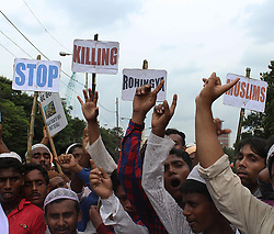 September 11, 2017 - Kolkata, West Bengal, India - Indian Muslims during a protest rally and gathering against Rohingya  Muslims crisis in Myanmar and protest demand for stop genocide of Rohingya Muslims. (Credit Image: © Sanjay Purkait/Pacific Press via ZUMA Wire)