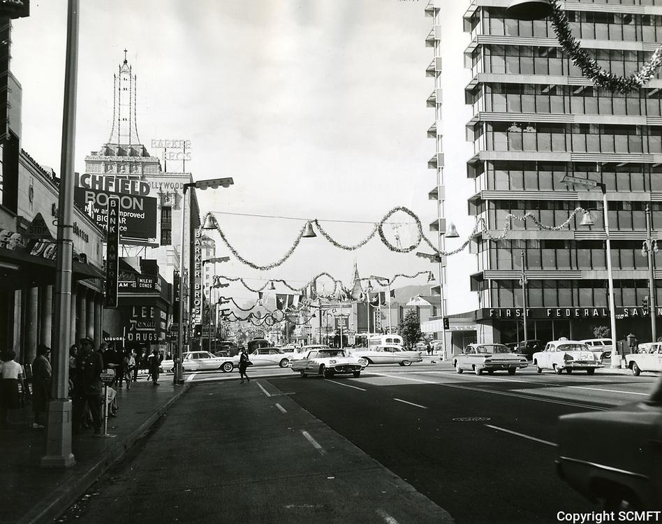 1960 Hollywood Blvd. at Christmastime