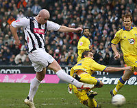 Photo: Mark Stephenson.<br />West Bromwich Albion v Leeds United. The FA Cup. 06/01/2007.<br />West Brom's John Hartson scores the second goal.