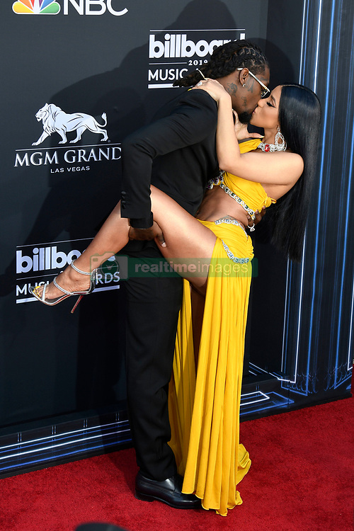 2019 Billboard Music Awards at the MGM Grand Garden Arena in Las Vegas, Nevada on May 1, 2019. CAP/MPI/DAM ©DAM/MPI/Capital Pictures. 01 May 2019 Pictured: Cardi B and Offset. Photo credit: DAM/MPI/Capital Pictures / MEGA TheMegaAgency.com +1 888 505 6342