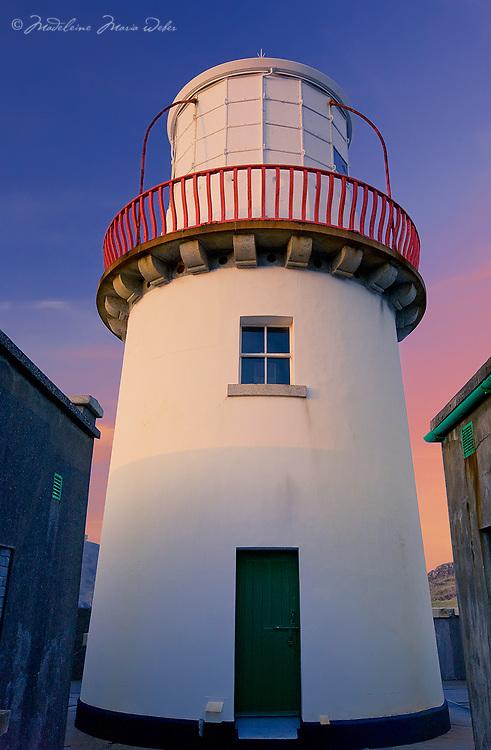 Close Up of Valentia Island Lighthouse, County Kerry, Ireland Iveragh Peninsula / vl114
