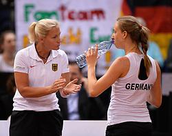 20.04.2013, Porsche-Arena, Stuttgart, GER, Fed CUP, Playoff, Deutschland vs Serbien, im Bild Team Captain Barbara RITTNER GER (links) mit Mona BARTHEL GER, // during the Fed Cup World Group Playoff between Germany and Serbia at the Porsche-Arena, Stuttgart, Germany on 2013/04/20. EXPA Pictures © 2013, PhotoCredit: EXPA/ Eibner/ Eckhard Eibner..***** ATTENTION - OUT OF GER *****