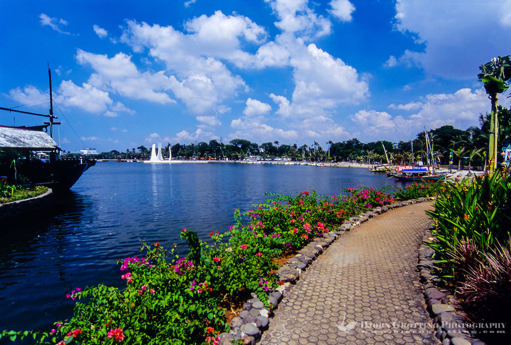 Indonesia, Java, Jakarta. Ancol Bay City, a resort destination located along Jakarta's waterfront.