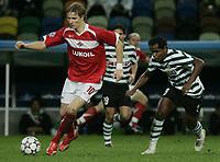 Fotball , 5. desember 2006 Champions League , Sporting Lisboa - Spartak Moskva<br /> Roman Pavlyuchenko (Spartak Moskau, li.) gegen Ronny (Sporting Lissabon) <br />  Norway only