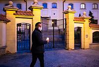 Bialystok, 17.05.2020. Protest pod bialostocka kuria archidiecezjalna pod haslem DOSC ZABAWY W CHOWANEGO, przez co dzialacze Lewicy chca okazac solidarnosc z ofiarami ksiezy pedofili N/z Pawel Krutul posel Lewicy fot Michal Kosc / AGENCJA WSCHOD