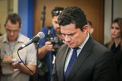 O juiz federal Sergio Moro fala à imprensa durante o funeral do juiz da Suprema Corte, Teori Zavascki, no Tribunal Regional Federal da 4ª Região, onde a vigília está sendo realizada em Porto Alegre, no sul do Brasil, em 21 de janeiro de 2017. FOTO: Jefferson Bernardes/ Agência Preview