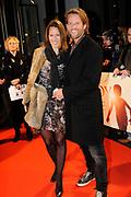 Premiere van de film Sonny Boy op maandag 17 januari in het Circus Theater in Scheveningen.<br /> <br /> Op de foto: Jasper Krabbe met partner