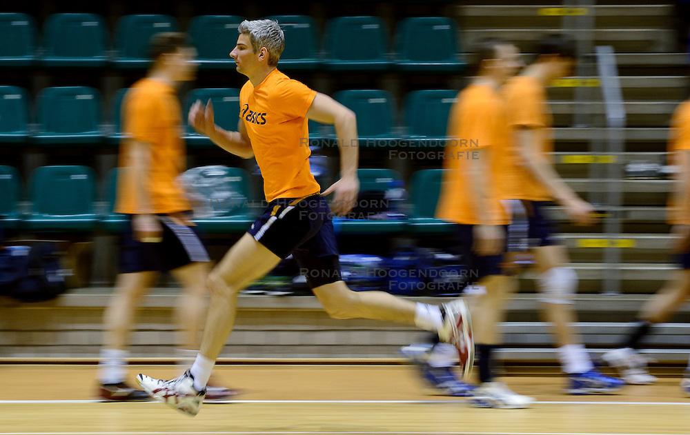 25-04-2013 VOLLEYBAL: TRAINING NEDERLANDS MANNEN VOLLEYBALTEAM: ROTTERDAM<br /> Selectie Oranje mannen seizoen 2013-2014 / Rob Bontje<br /> ©2013-FotoHoogendoorn.nl