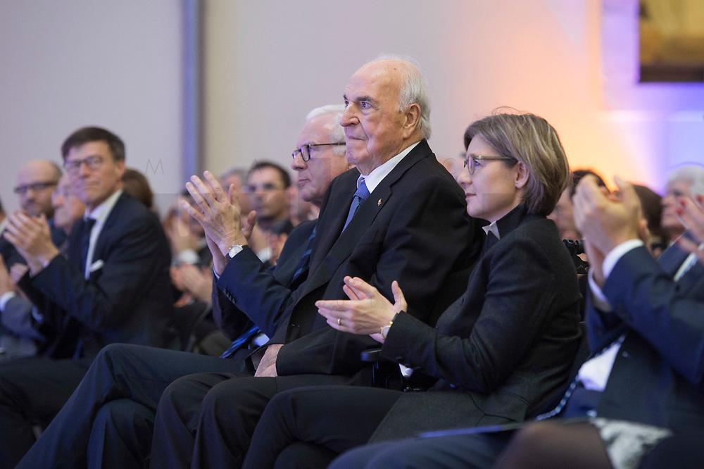19 DEC 2014, DRESDEN/GERMANY:<br /> Hans-Gerd Poettering (L), CDU, Vorsitzender der Konrad-Adenauer-Stiftungm Helmut Kohl (M), CDU, Bundeskanzler a.D., und Maike Richter-Kohl (R), Ehefrau von Helmut Kohl, Veranstaltung der Konrad-Adenauer-Stiftung am 25. Jahrestag der Rede von Helmut Kohl vor der Ruine der Frauenkirche, Albertinum<br /> IMAGE: 20141219-01-108<br /> KEYWORDS: Frau, Gattin, wife, Applaus, applaudieren, klatschen, Hans-Gerd Pöttering