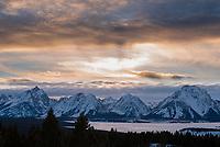 Jackson Lake and the Teton Range at sunset, Grand Teton National Park, Jackson Hole, Wyoming.