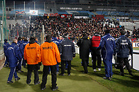 FOOTBALL - FRENCH LEAGUE CUP 2011/2012 - 1/2 FINAL - OLYMPIQUE MARSEILLE v OGC NICE - 1/02/2012 - PHOTO PHILIPPE LAURENSON / DPPI -  CLASH WITH OGC NICE FANS