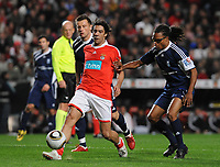 20100125: LISBON, PORTUGAL - 7th Charity Football Match against Poverty: SL Benfica All Stars vs Zidane & Kaka Friends. All the money rose from ticket sales and donations will go to the victims of Haiti Earthquake. In picture: Rui Costa and Edgar Davids. PHOTO: Alvaro Isidoro/CITYFILES